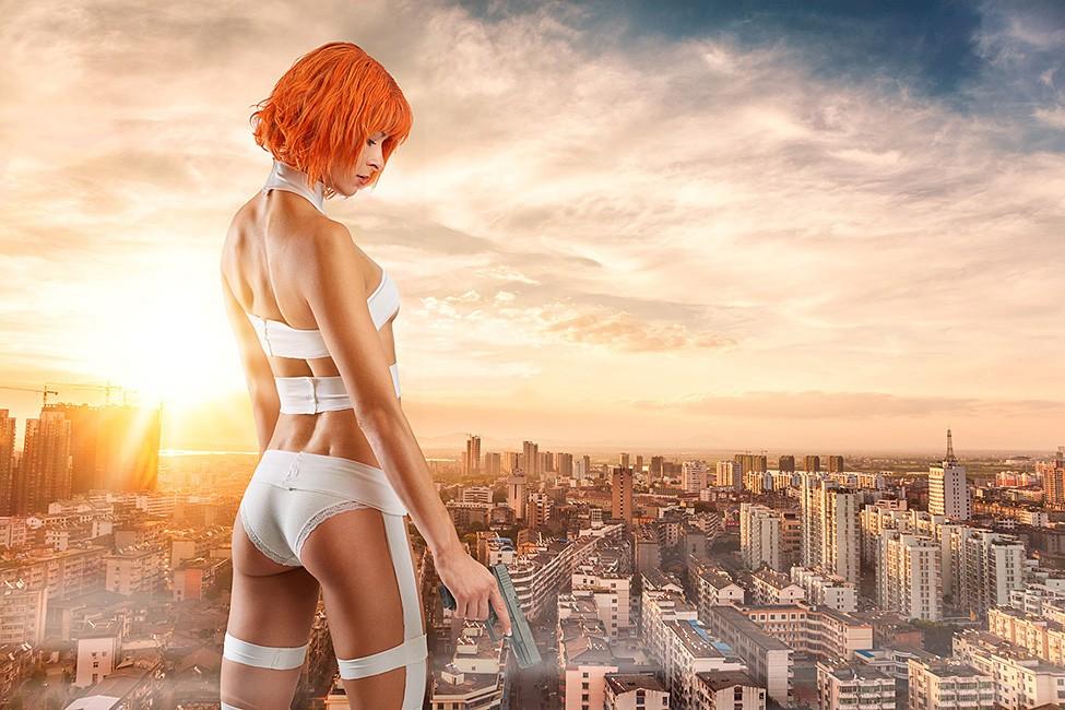 Sexy Leeloo cosplay Boudoir photography