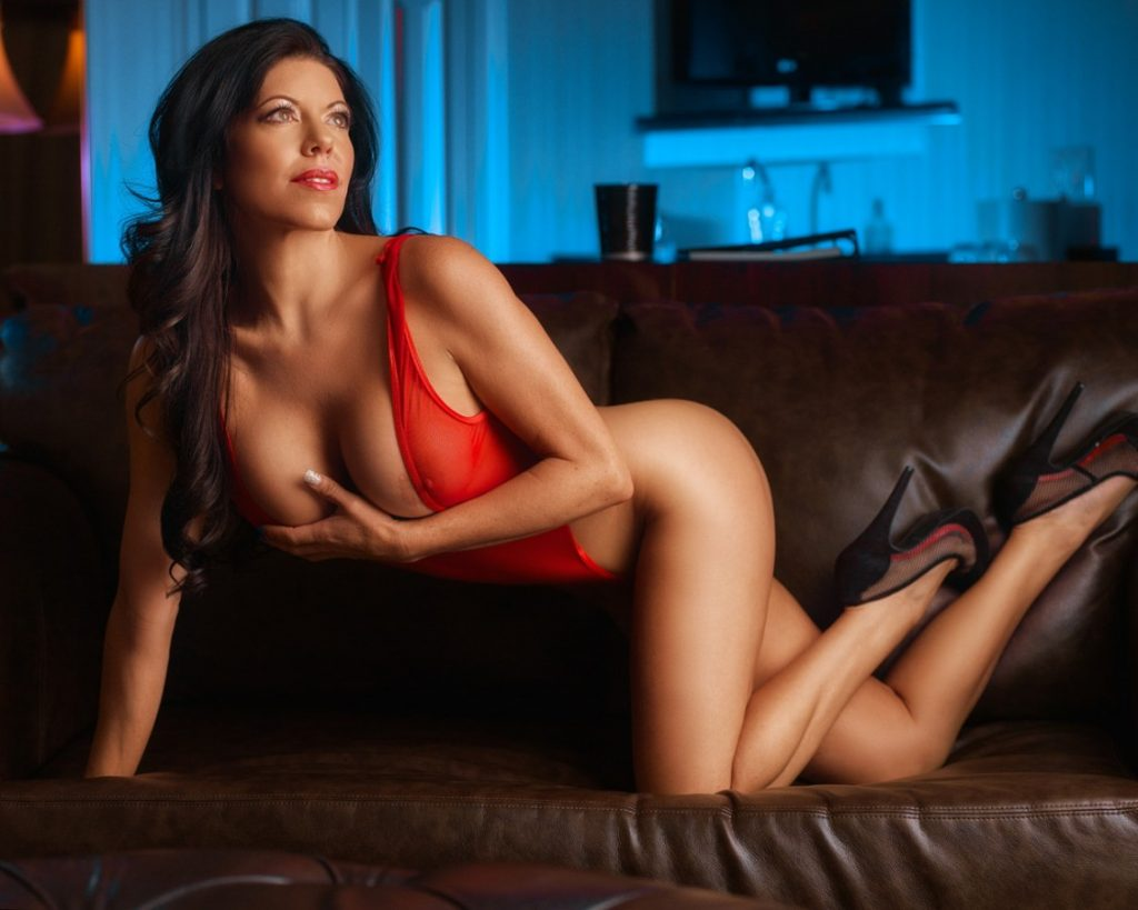 Reno Boudoir Photographer | Sexy Bedroom Boudoir Shoot