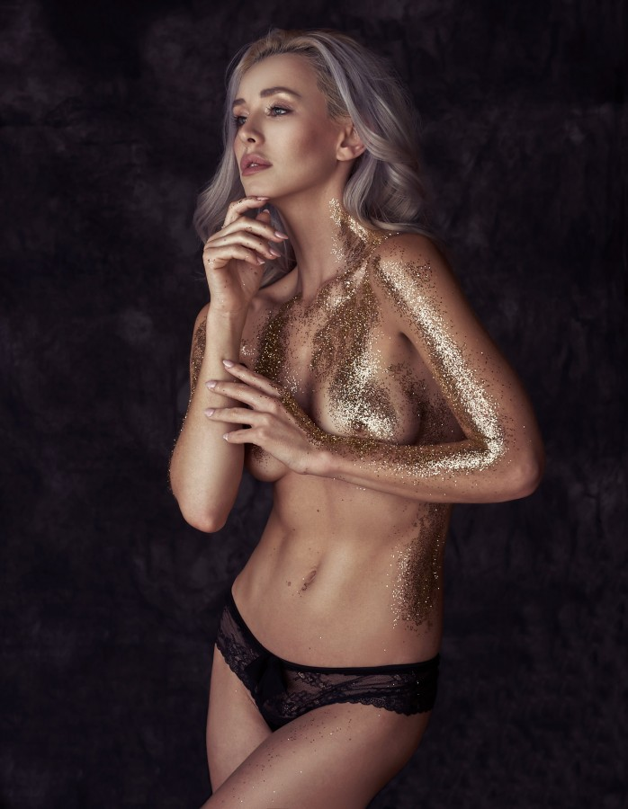 Glitter in the Studio & Broncolor Para 222
