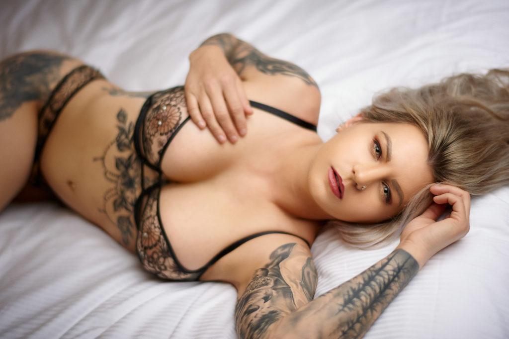 Sexy tattoo model - Reno Boudoir Photographer Bed Scene